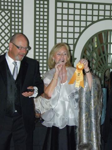 3-roberta-presenting-award